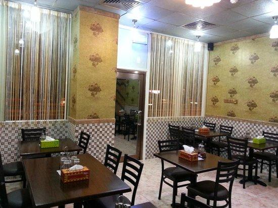Katis Restaurant: Interior Ambience of Katis