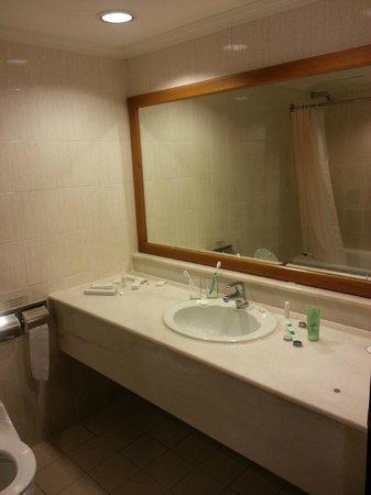 Heritage Hotel Ipoh: Shower facilities