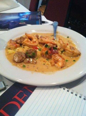 Saluda's Restaurant: shrimp and grits