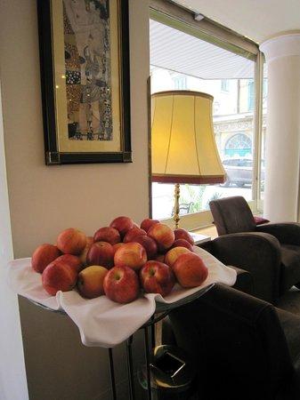 Hotel Beethoven Wien: Яблоки и Густав Климт