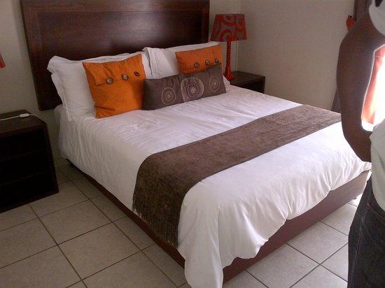 Hotel@Tzaneen: Bedroom 1