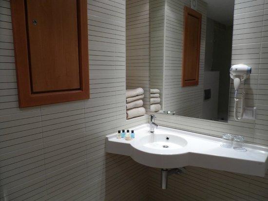 Hotel TIBA : salle de bain
