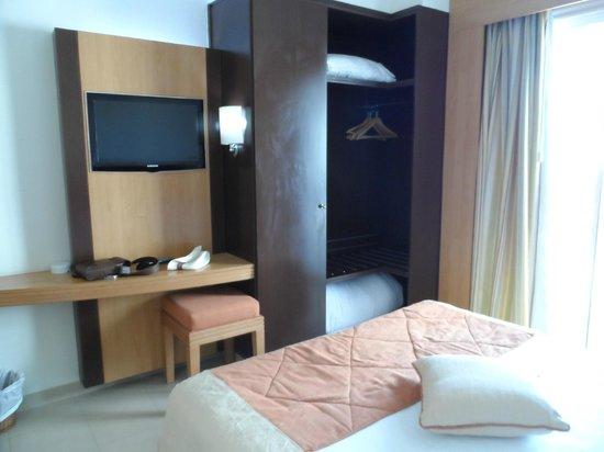 Hotel TIBA : tv avec plusieurs chaines francaises