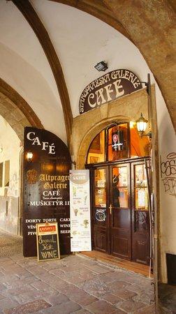 CAFÉ - Staropražská galerie