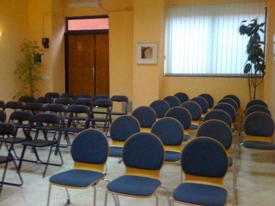 Stephen Center: Meeting Room