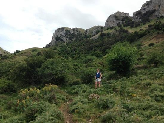 L'Arca: Hiking in the nearby mountains of Madonie Natural Park