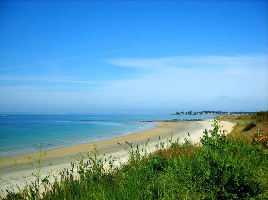 Les Chaumieres de Kerimel : A beach 15 mins drive from the B&B, very wild and typically from the area. Lovely.