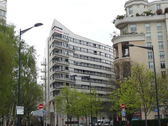 Residhome Courbevoie la Defense: Hotel
