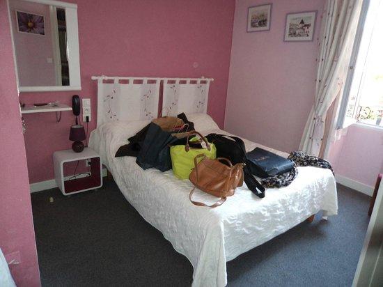Hotel Gardenia : chambre petite
