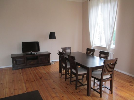 M9 Apartments: living room