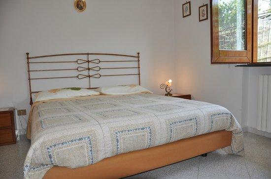 Bed & Breakfast Bed and Lemons: camera con vista sul giardino