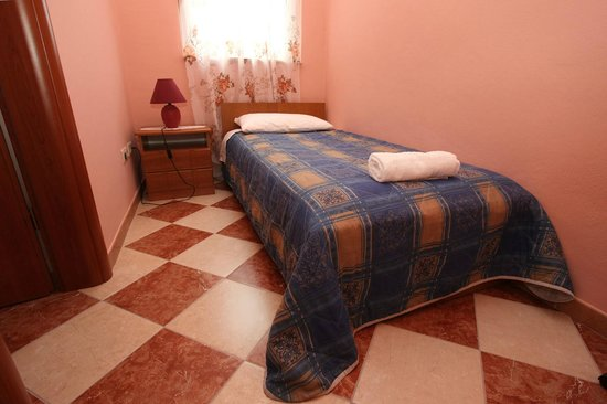 Split Apartments - Peric Hotel: Single room