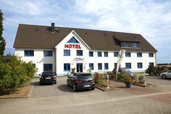 Hotel Pommernland: Parkplatz