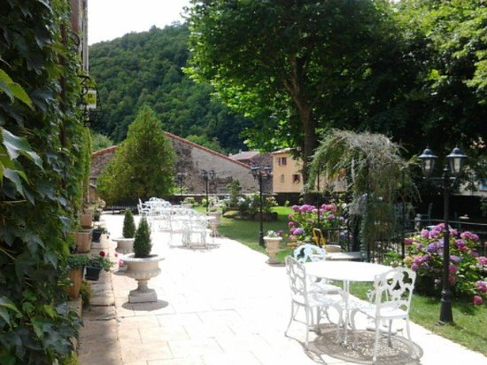 Hostellerie du Grand Duc: terrasse