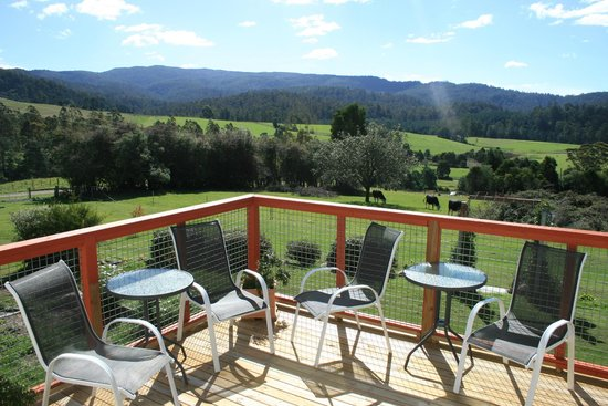 Goulds Country Guest House: deck
