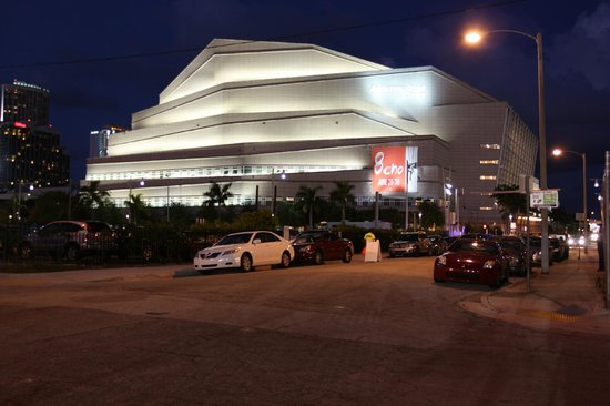 Adrienne Arsht Center for the Performing Arts of Miami-Dade County: di sera