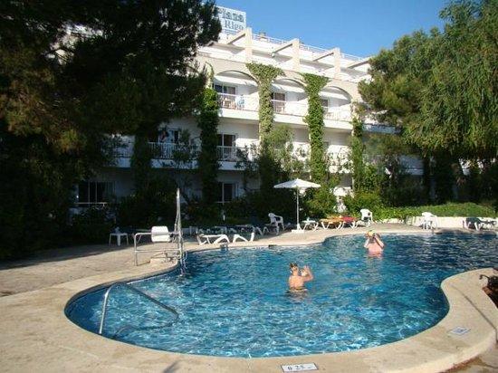Hotel Apartamentos Plaza Son Rigo: Espace extérieur - Piscine 2