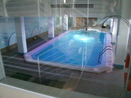 Hotel Apartamentos Plaza Son Rigo: Piscine intérieure