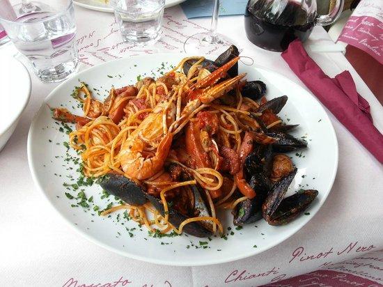 Godi Popolo: Pasta with Sea Food