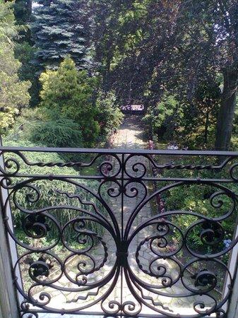B&B Villa Margherita: Panorama del viale di accesso