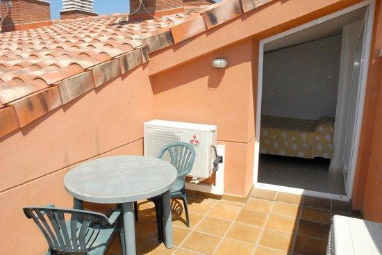 Velor Apartamentos Turisticos: Terraza superior de un dúplex