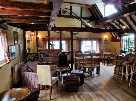 The Plough at East Hendred: Bar Area