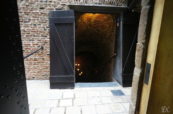 De Pelgrom: Inner entrance to the caves