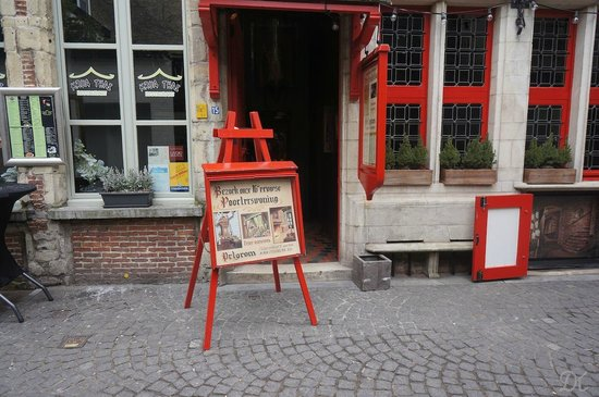 De Pelgrom: Not very interesting from outside