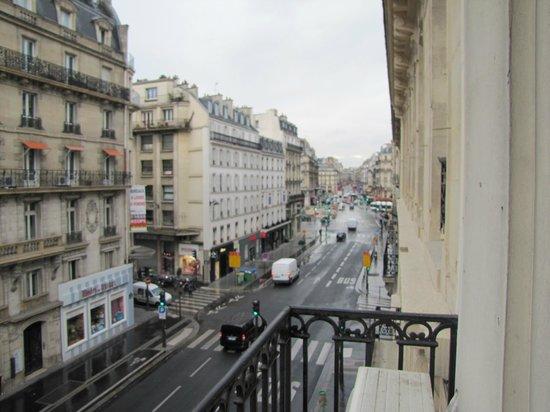 Hôtel Océanic : Вид из окна номера на rue de la Pepiniere