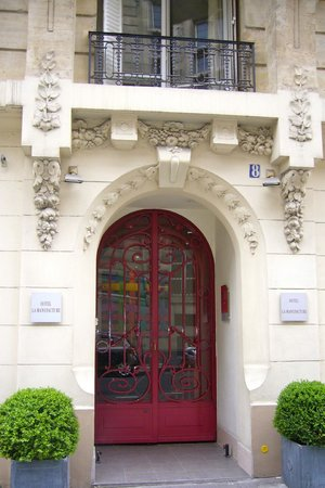 La Manufacture: Hotel Entrance