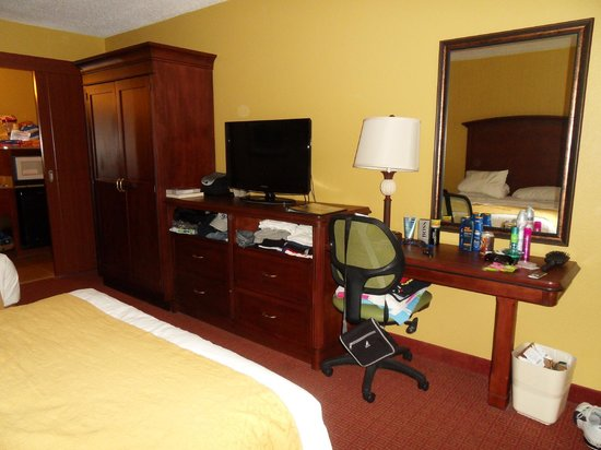 Rosen Inn International: Our Room.