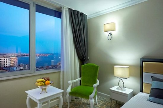 Ottoman Palace Taksim Square Hotel : DELUXE DOUBLE ROOM WITH THE BOSPHORUS VIEW