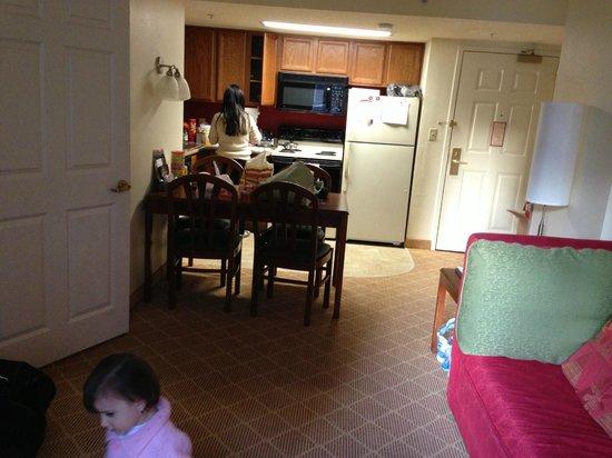 Residence Inn Arlington Rosslyn: cozinha