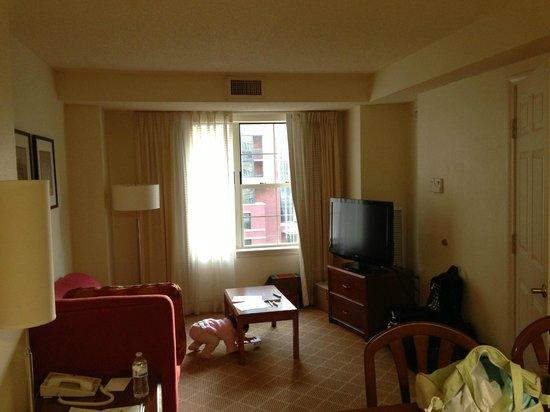Residence Inn Arlington Rosslyn: sala