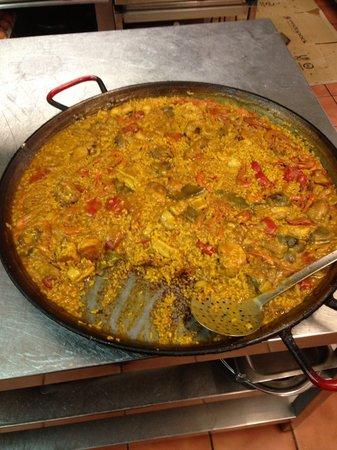 Restaurante La Barraca: La rica paella XD