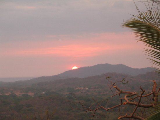 Panacea de la Montana Yoga Retreat & Spa: Sunset from our cabina porch