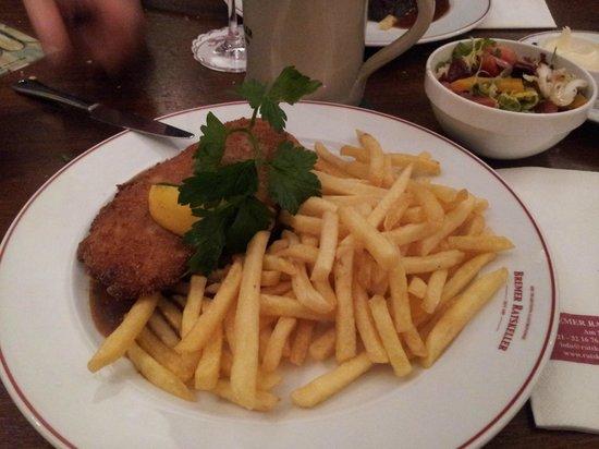 Bremer Ratskeller: secondo degustato. Carne di vitello impanata con salsa di funghi e patate