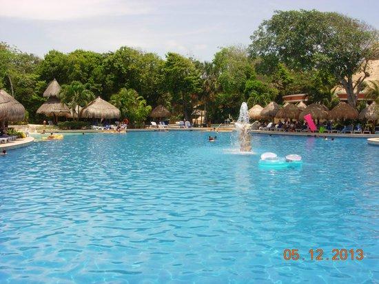 La piscine picture of iberostar tucan hotel playa del for La piscine review