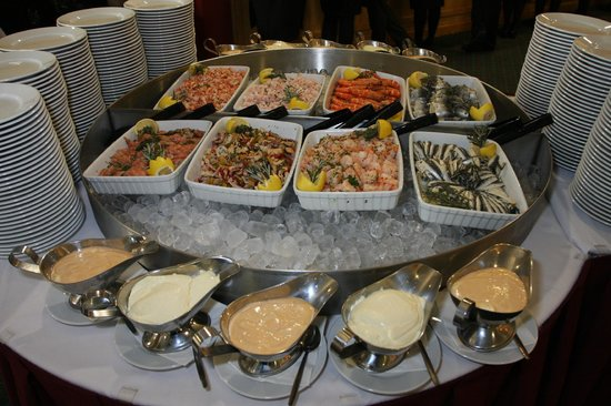 Newcastle Racecourse: Seafood to start the day