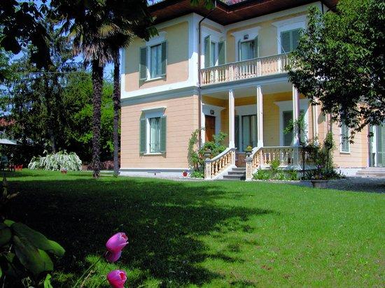 Villa d'Azeglio: Garden