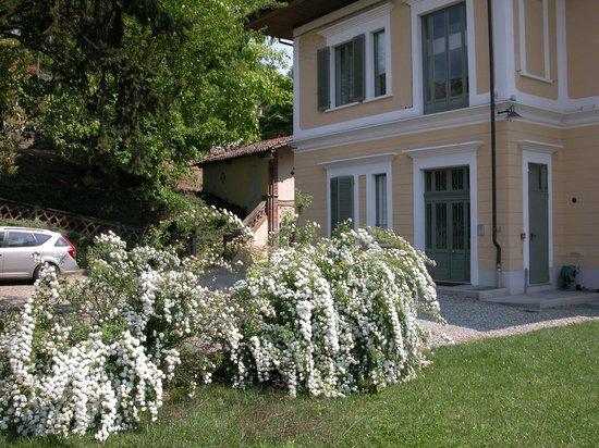 Villa d'Azeglio: Garden e parking