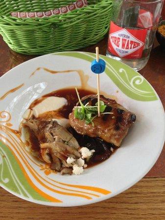 Tapashusid/Tapashouse: Lamb Rib eye...wild thyme, oyster mushroom, cauliflower