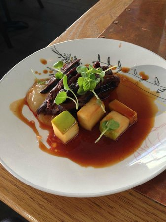 Tapashusid/Tapashouse: Grilled Guillemot...rhubarb, Icelandic brennivin, mushroom