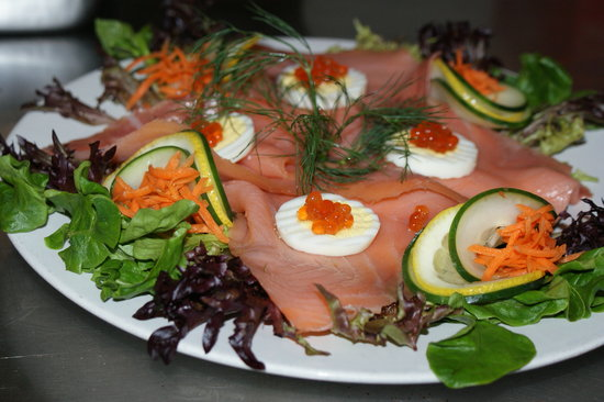Amadeus Cafe & Restaurant: Atlantic Ducktrap... Amazing combination of Salmon, Potato Pancakes, and Caviar !