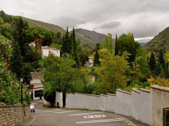 Cuevas El Abanico: Autumn views a few metres away.