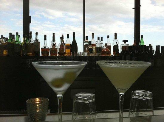 Hotel Angeleno: Happy Hour