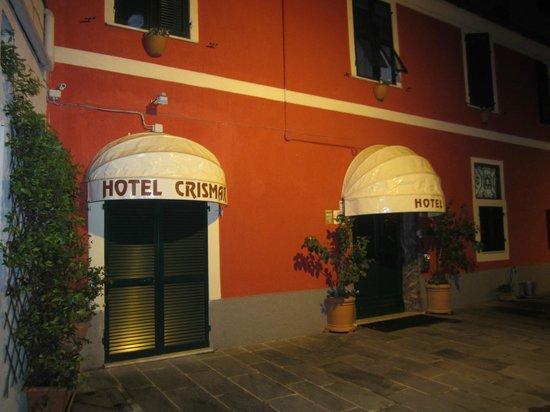 Crismar Hotel : Front of hotel