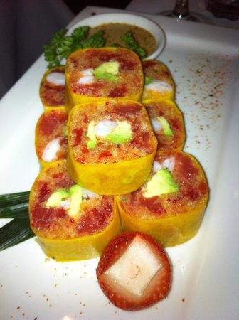 Coba Sushi: mix of fruit and shrimp