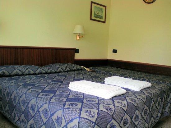 Hotel Garni Avana: camera doppia 4