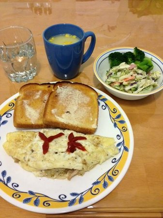 Yellowknife Polar Suite Guest Room: 朝食